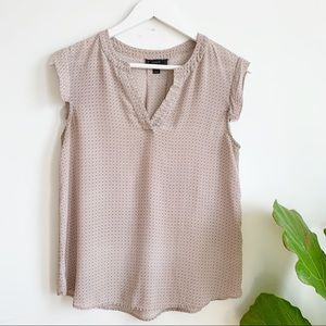J. Crew Blush Pink Silk Abstract Top V Neck Size 8